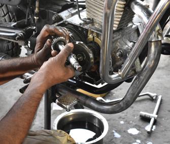 Pmr Moto servizio di controllo e revisione scooter e moto siena